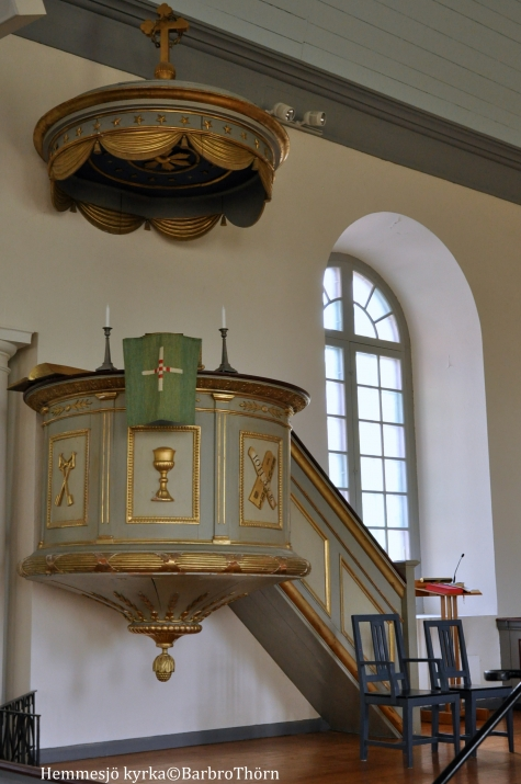 hemmesjo-kyrka-pulpit-barbro-tho%cc%88rn-foto