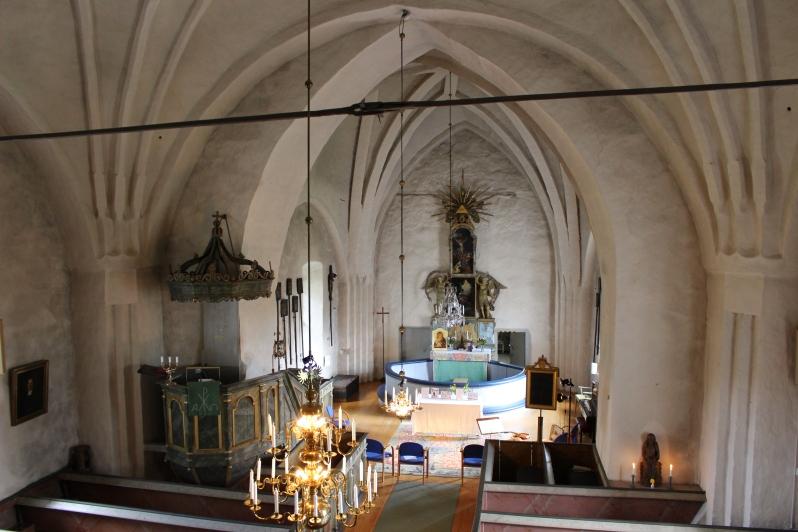 17.Skederids_kyrka_wikimedia.jpg