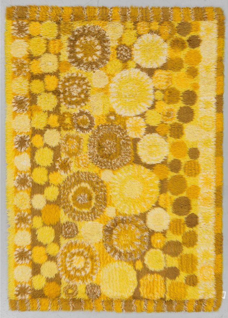 93 Prob MR A machine made pile carpet, ca 187 x 135 cm, possibly designed by Marianne Richter. Buk 2 12 17