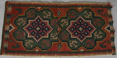 c cushion in flemish weave (flamskväv) Garpenhus Auktioner from skane ca 1860 11 10 13