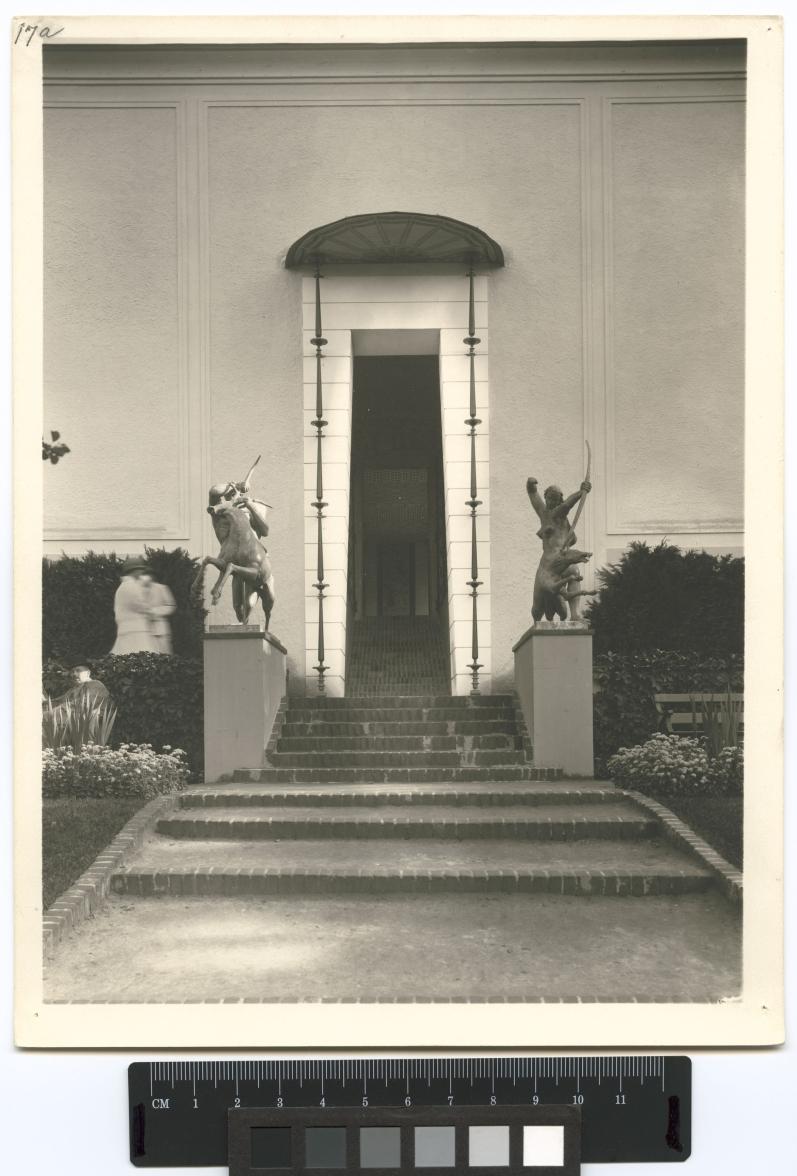 27b doorway of KonstindustriARKM.1974-104-109-01