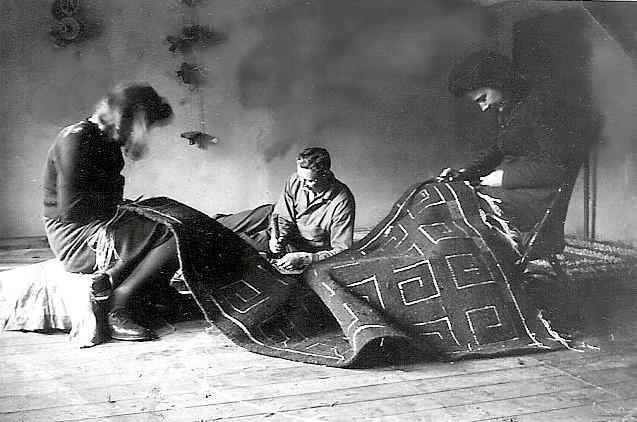 16.Working on a rug Britta Löfgren,Gösta Lundblad and Iris Olsson 1943