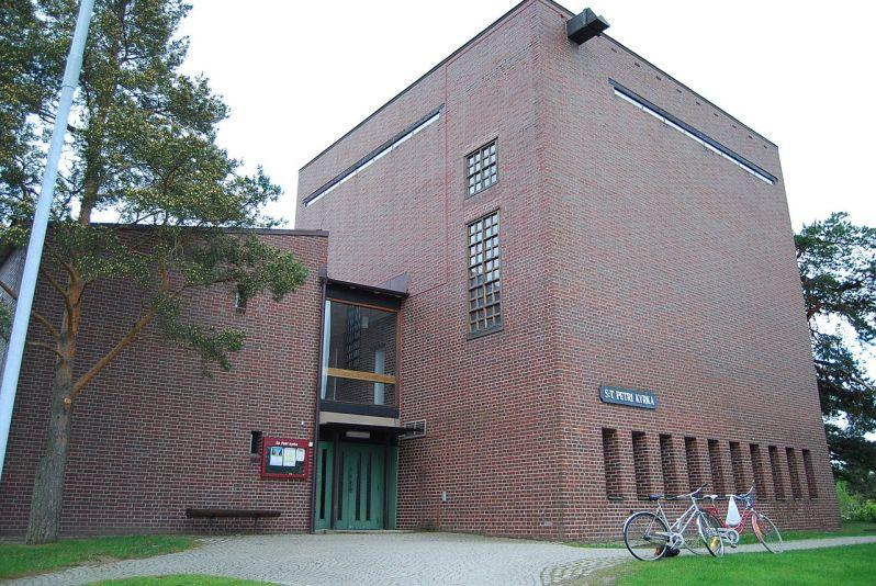 49 a 1280px-Sankt_Petri_kyrka,_Eskilstuna, west of stockholm . via wikiwand, photog not identified JPG