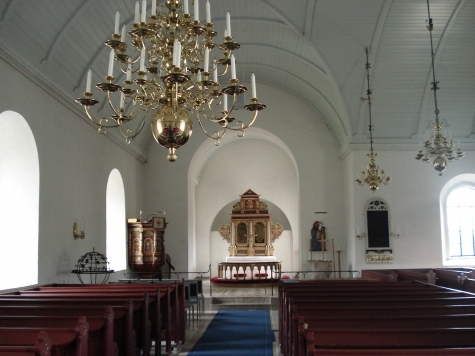 12.Östraby kyrka Carl+Johan Ivarsson KK dont know what kormatta is then one in front of altar is Ingrid Dss