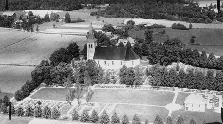 7.1946 for postcard AB Flygtrafik Örebro läns museum OLM-2003-25-1105